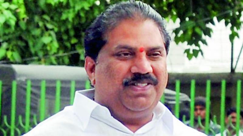 YSRCP MLA Malladi Vishnu calls for banning online rummy